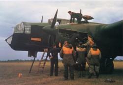 134 - whitley_bomber_001.jpg